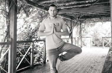 Fabien, professeur de yoga à Paris