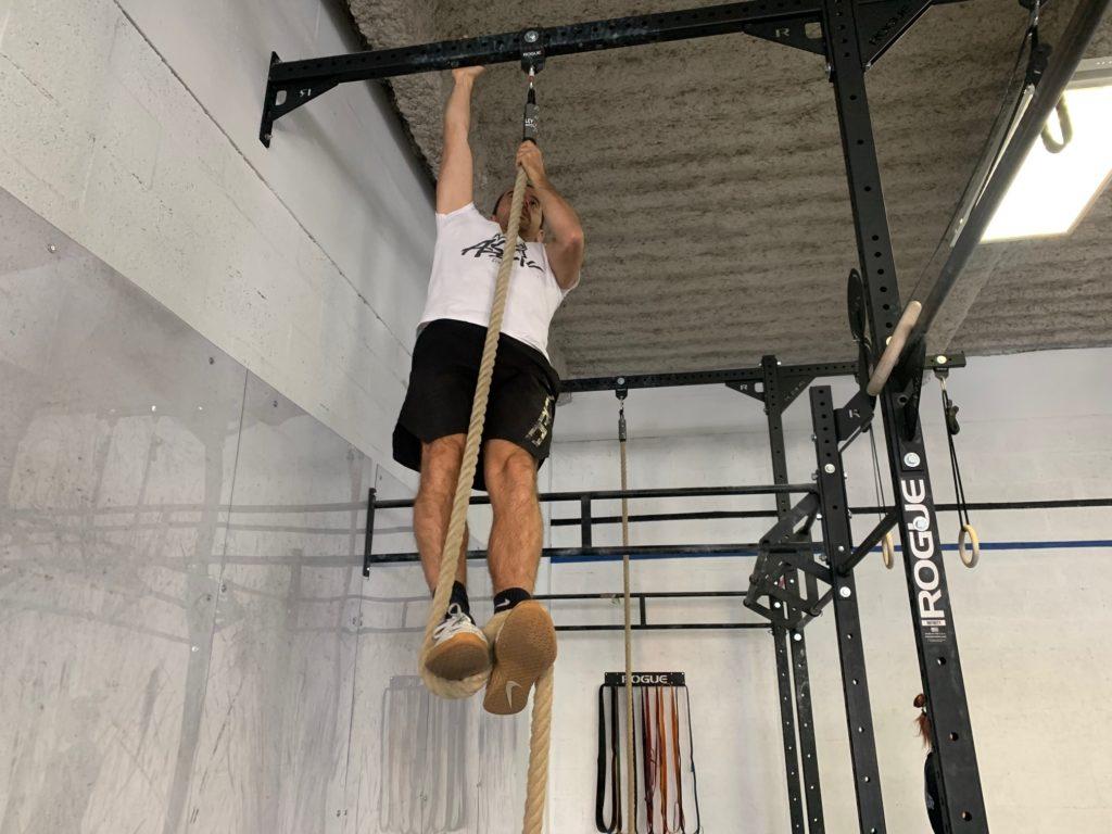 Fin du mouvement du rope climb