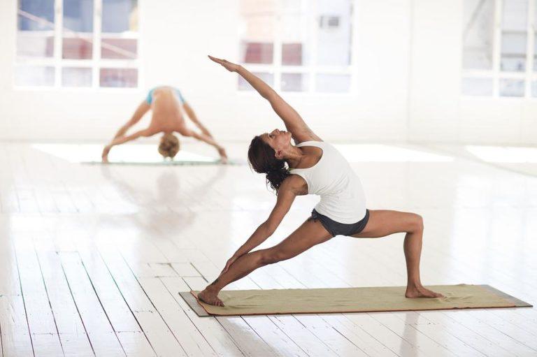 cours de yoga à Antibes