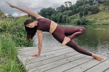 Aurore, professeure de yoga à Biarritz